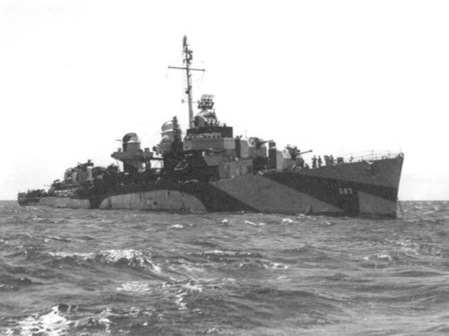 USS_Hall_(DD583)_at_anchor_c1944.thumb.jpg.1319d3782c2f82ee4dfe11b8bc2406b0.jpg